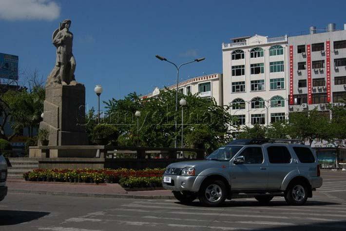 琼海市内雕像